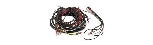 Kabel / Kabelbäume